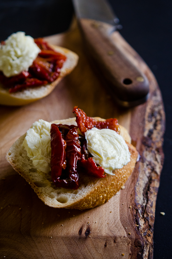 © 2012 Viviane Perenyi - Fresh Mozzarella & Dried Tomato on Toast
