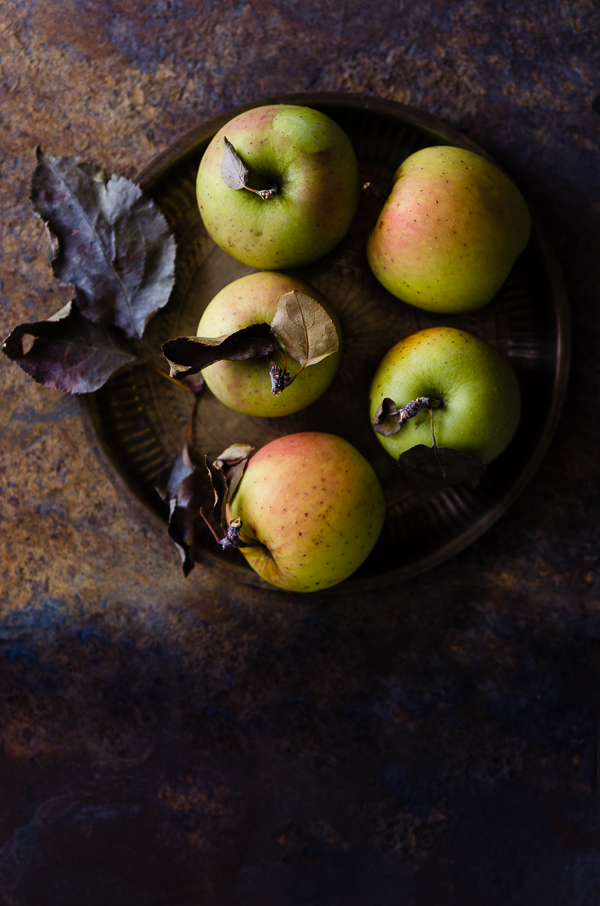 Apples Still Life | At Down Under | Viviane Perenyi